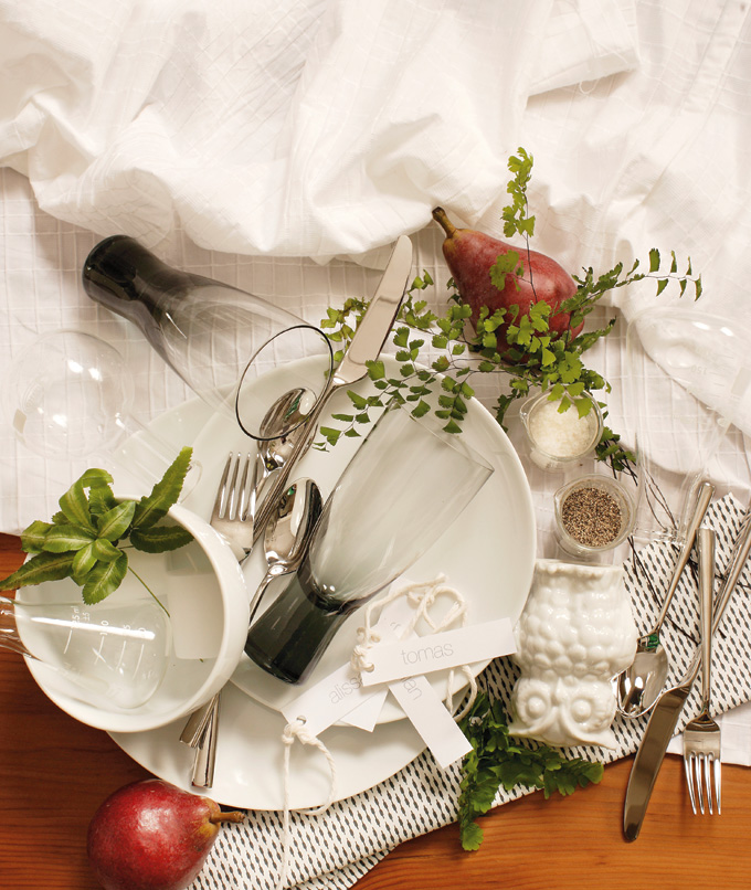 2012DecJan_HolidayTable01