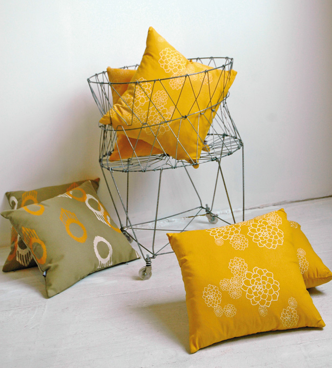 2012DecJan_Homeward_HandPrintedPillows