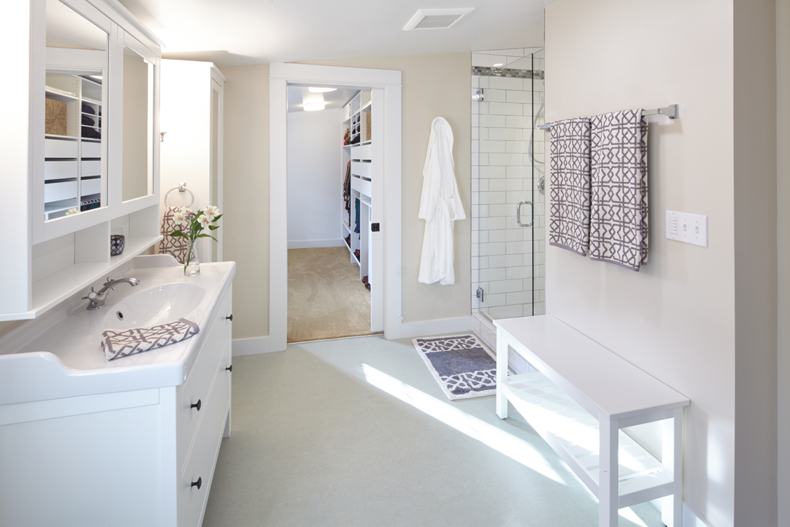 Epping-3-Dormer-bathroon-remodel-WILLCO-Portland-remodeling-interior1