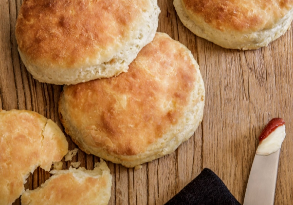 tasteBUD: Baking Biscuits with the Snyder Family