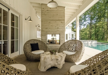 For a Modern Farmhouse, Timelessness Is in the Mix